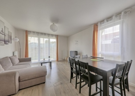 Cozy apartment in Bouleurs with Parking, Internet, Washing machine, Garden