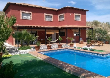 Spacious country house in Seseña with Parking, Internet, Washing machine, Air conditioning