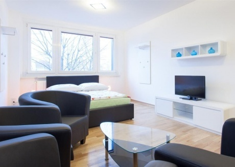 Cozy apartment very close to the centre of Berlin with Lift, Internet, Washing machine