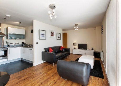 Spacious apartment in the center of Milton Keynes with Lift, Parking, Internet, Washing machine