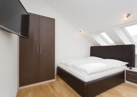 Cozy apartment close to the center of Vienna with Lift, Internet, Terrace