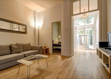 Cozy apartment close to the center of Amsterdam with Internet, Washing machine