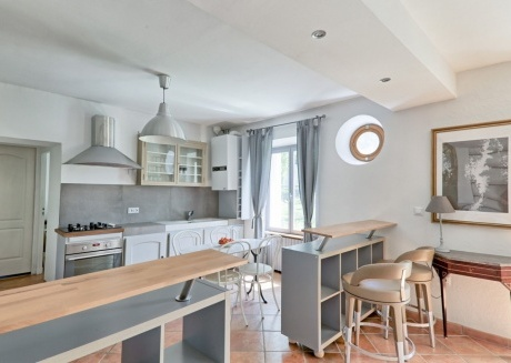 Cozy house in the center of Coupvray with Parking, Internet, Washing machine, Garden