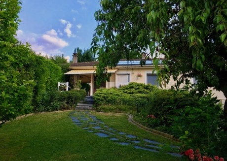 Cozy country house in the center of Fossemanant with Parking, Internet, Washing machine, Pool