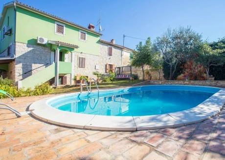 Spacious villa in Vodnjan with Parking, Internet, Washing machine, Air conditioning