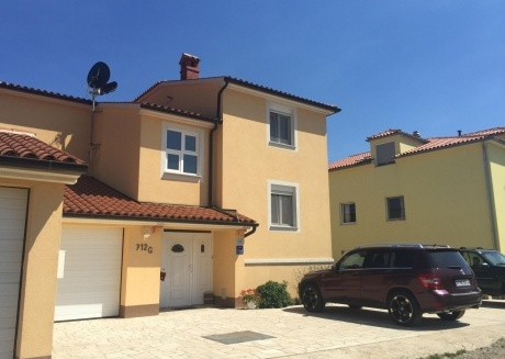 Spacious apartment in the center of Ližnjan with Parking, Internet, Washing machine, Air conditioning