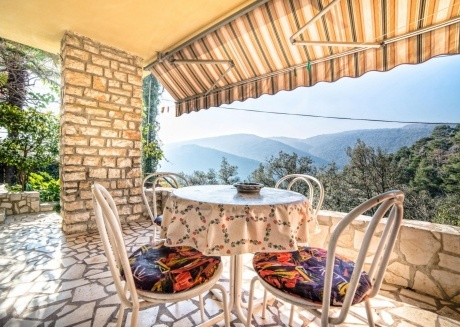 Cozy apartment in the center of Rabac with Internet, Terrace