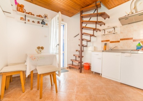 Cozy apartment in the center of Rabac with Parking, Internet, Air conditioning, Terrace