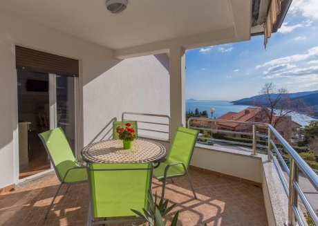 Cozy apartment in the center of Rabac with Parking, Internet, Air conditioning, Balcony