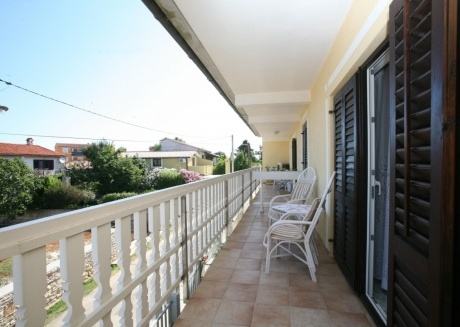 Cozy apartment in the center of Ližnjan with Parking, Air conditioning, Balcony