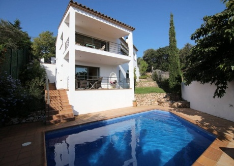 Cozy villa in Sa Riera with Washing machine, Pool, Garden, Terrace