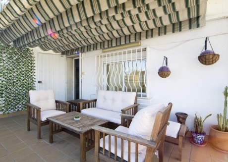 Spacious apartment very close to the centre of Granada with Lift, Internet, Washing machine, Balcony