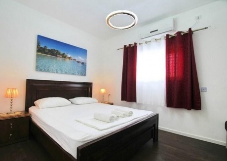 Spacious apartment close to the center of Bat Yam with Lift, Internet, Air conditioning