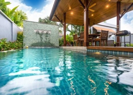 3 bedroom villa with pool Onyx White Pearl