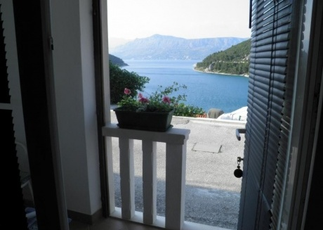 Cozy apartment in the center of Pučišća with Parking, Internet, Washing machine, Balcony
