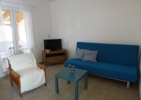 Spacious apartment in the center of Jezera with Parking, Internet, Air conditioning, Balcony