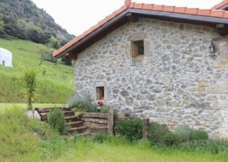 Cozy apartment in Ampuero with Parking, Internet, Washing machine, Air conditioning