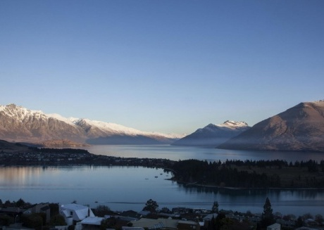 Queenstown Villa 2 - Exclusive Residence with Majestic Mountain & Lake Views