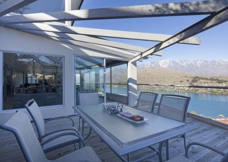Queenstown Villa 3 - Panoramic Lake Wakatipu and Mountain Views