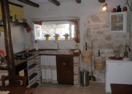 Cozy apartment in the center of Betina with Parking, Internet, Air conditioning
