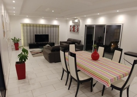 Spacious house in Mbour with Internet, Washing machine, Garden, Terrace