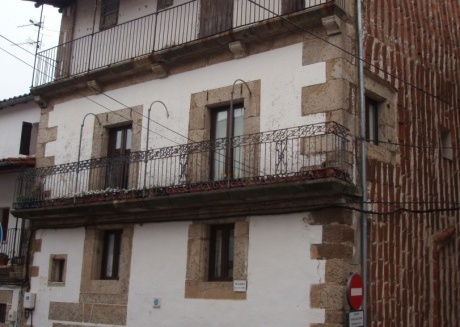 Cozy house in Candelario with Internet, Washing machine