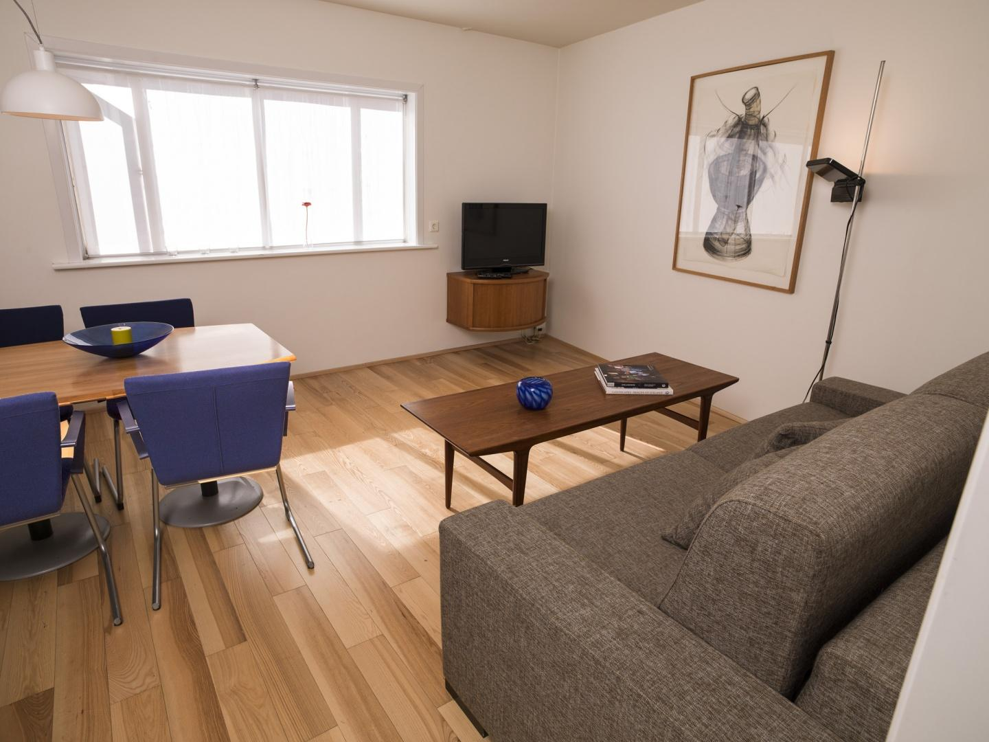 Cozy central apartment in the heart of Reykjavi... Slide-1