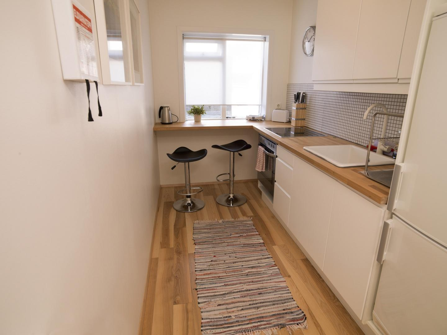 Cozy central apartment in the heart of Reykjavi... Slide-3