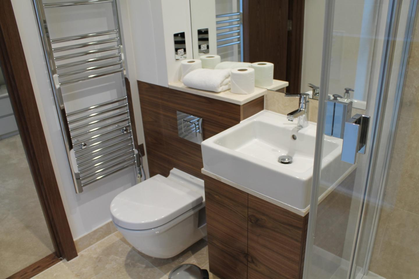 Shoreditch Square One Bedroom Apartment Slide-4
