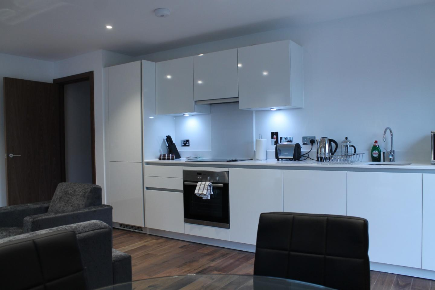 Shoreditch Square One Bedroom Apartment Slide-12
