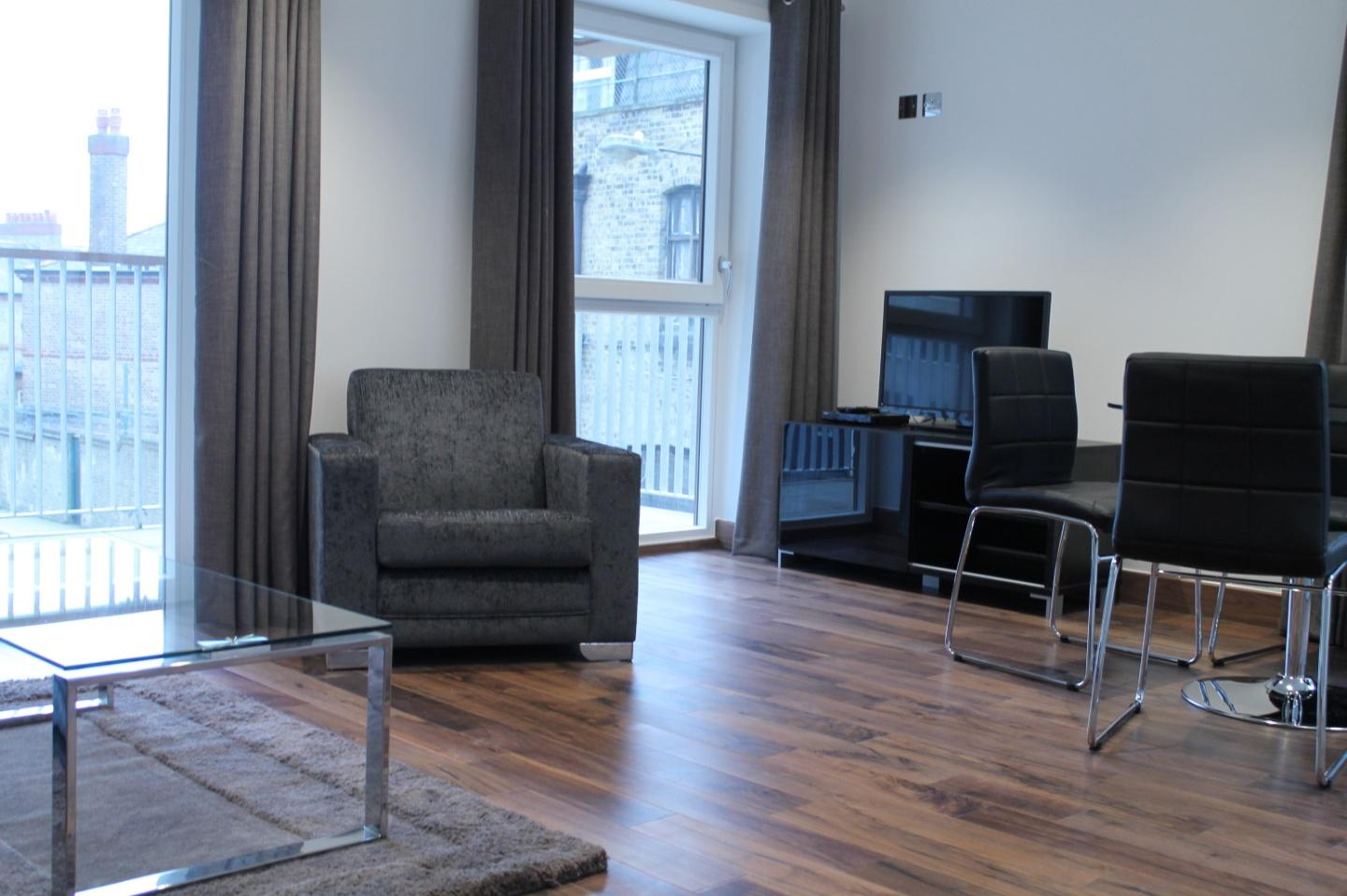 Shoreditch Square One Bedroom Apartment Slide-3