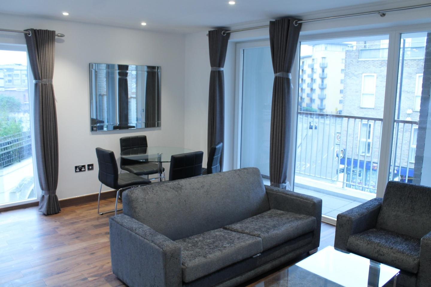 Shoreditch Square One Bedroom Apartment Slide-1