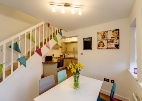 Stunning 2 Bed Garden Flat & Private Parking Rye
