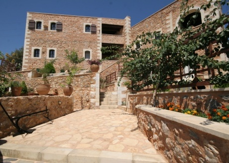 90m² double room maisonette with valley, mountain and sea view .