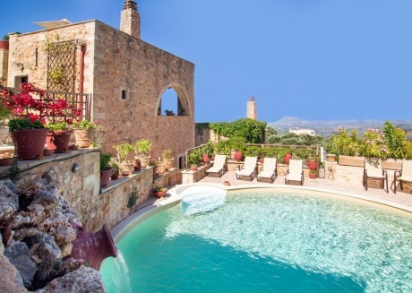 75 m² one bedroom maisonette with roof access and panoramic view.