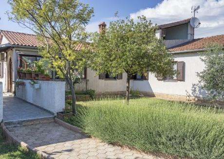 Villa - Family house Erra