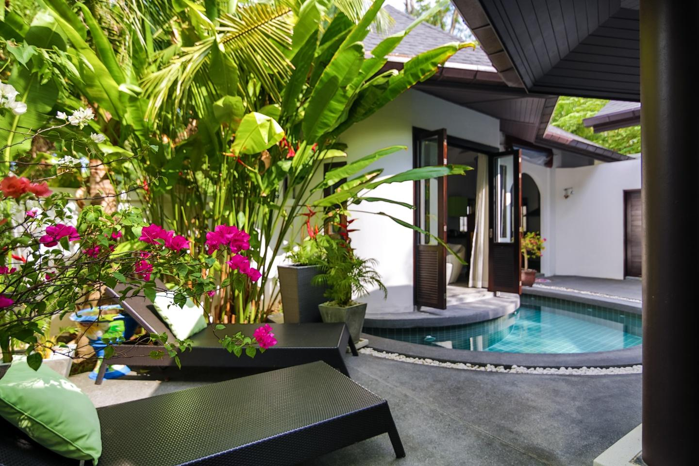Tropical Balinese style 3 bedroom villa with pool Slide-21