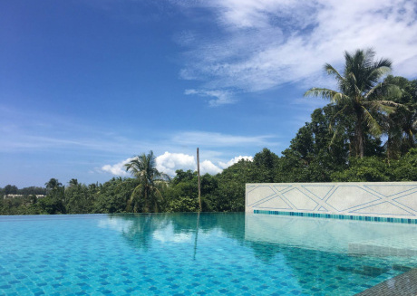Beach Style Condo Pool, Gym, 1100m To Great Beach.