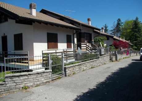 Viola house on the heights of Lake Maggiore