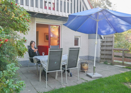 6 pers. Fenced house with private garden close to the national park Lauwersmeer
