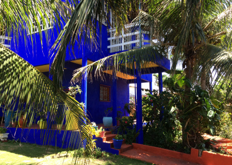 Private walled villa with tropical garden to rent in Canoa Quebrada