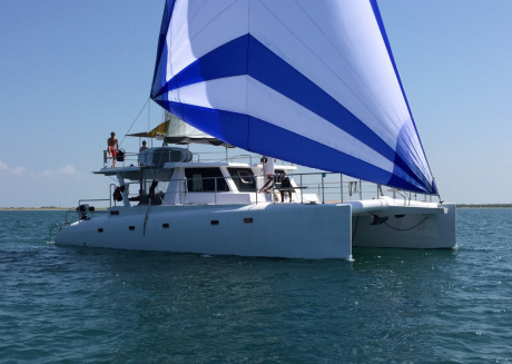 Boat cruise in North Sri-Lanka on full board basic