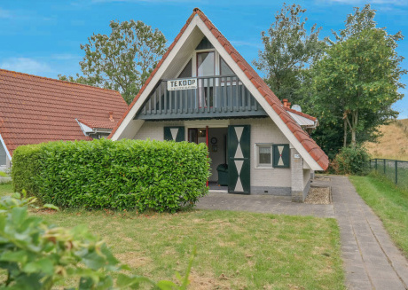 6 pers. decent house on a typical Dutch gracht, National Park Lauwersmeer