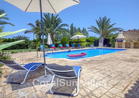 Marlin Beach Front Luxury Villa - 4 Bedrooms