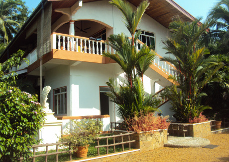 Exotic holidays in private Villa near beach