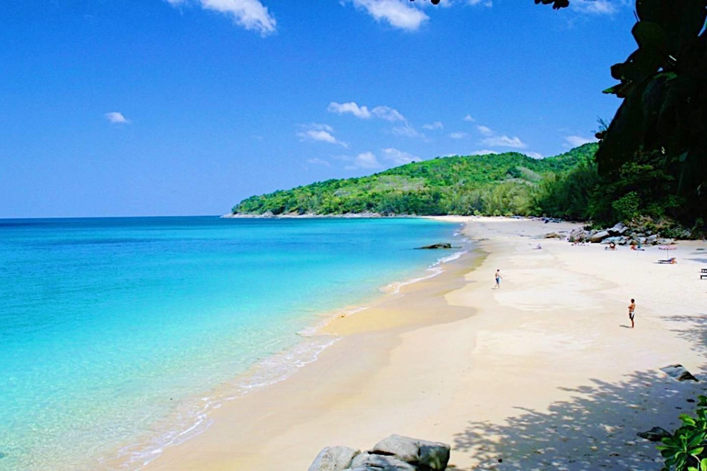 Beachfront 2br home on stunning beach Pearl of ... Slide-27