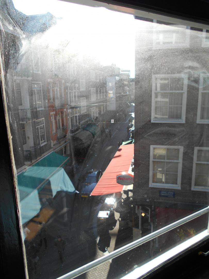 room offered in Amsterdam center Slide-28