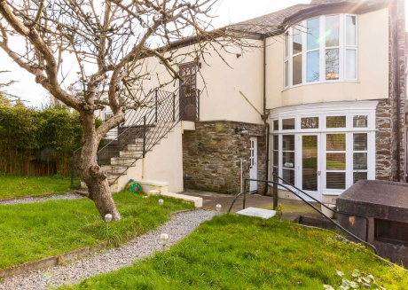 Spacious house very close to the centre of Plymouth with Internet, Washing machine