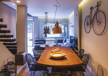 Acropolis Luxury Apartments - Senior