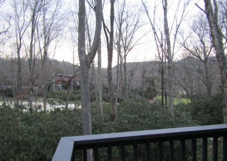 2/2 Condo in The Glen.  Near skiing, tennis, and golf. Call for monthly rates